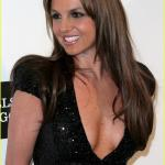britney-spears-brown-hair-at-elton-john-oscars-party-2013-25