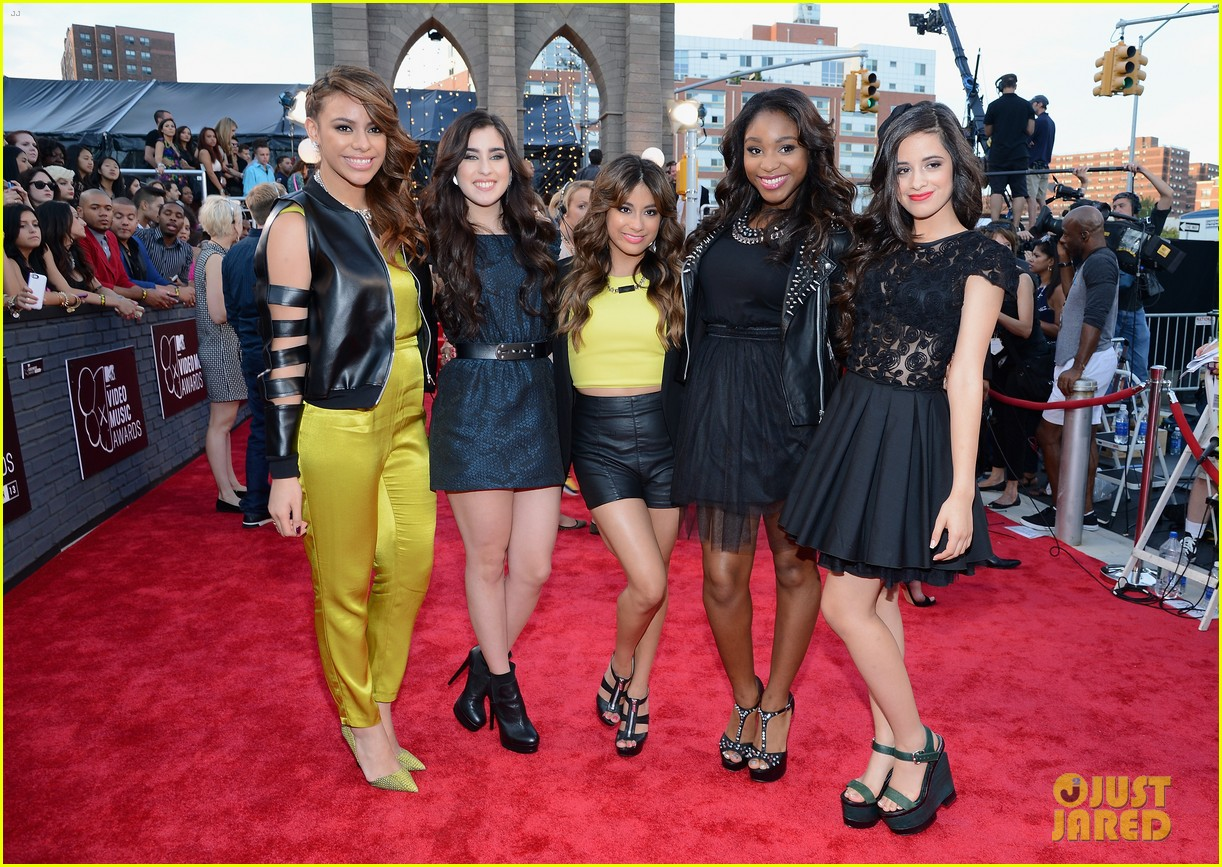 fifth-harmony-mtv-vmas-2013-red-carpet-03