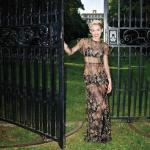 hbz-september-2013-miley-cyrus-gown-valentino-couture-xln-31446093