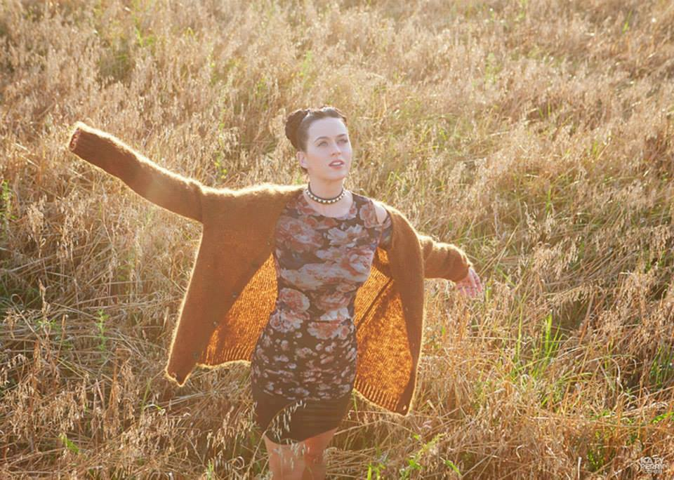 Katy Perry Prism Booklet (7)
