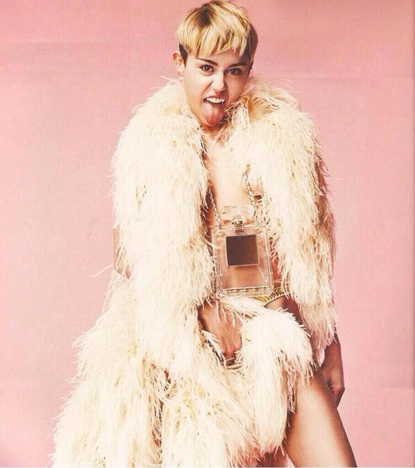 Miley Cyrus Tour Book Bangerz (2)
