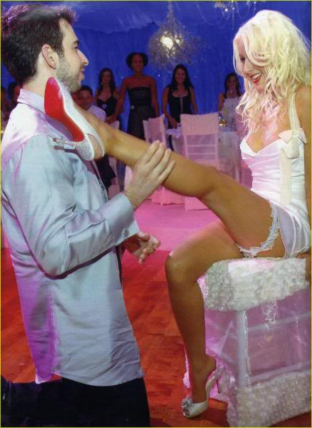 christina-aguilera-wedding18_1_-437
