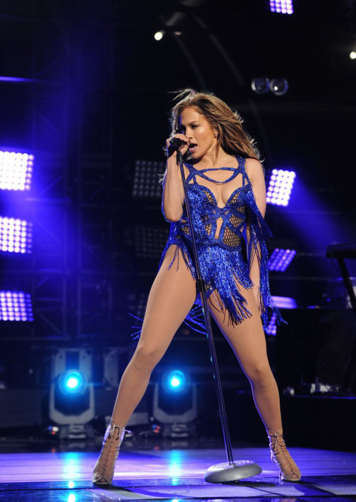 jennifer lopez first love american idol finale hot