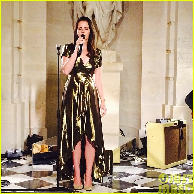 kim-kardashian-continues-kimye-wedding-celebration-with-lana-del-rey-performance02