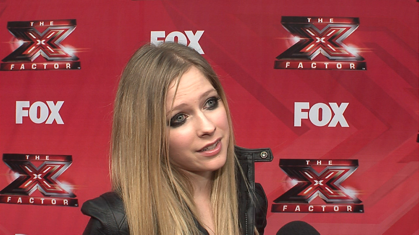 159219_avril-lavigne-talks-performing-on-the-x-factor