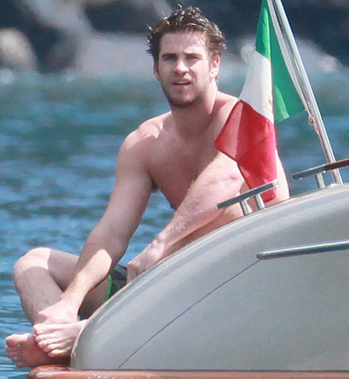 Liam Hemsworth hot sexy naked nude