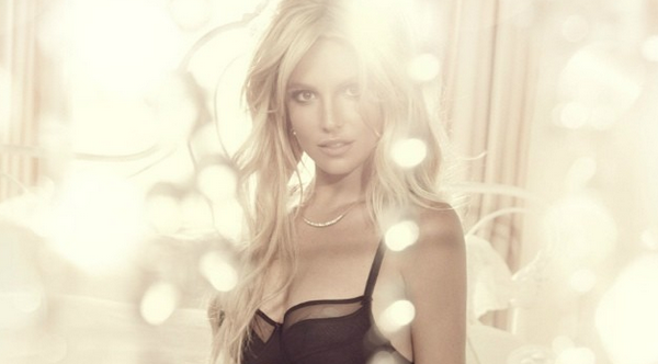 Britney Spears The Intimate Collection (2)