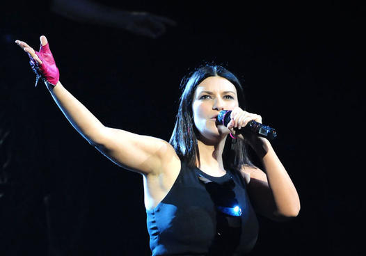 Laura-Pausini-in-concerto-a-Hollywood_gal_landscape