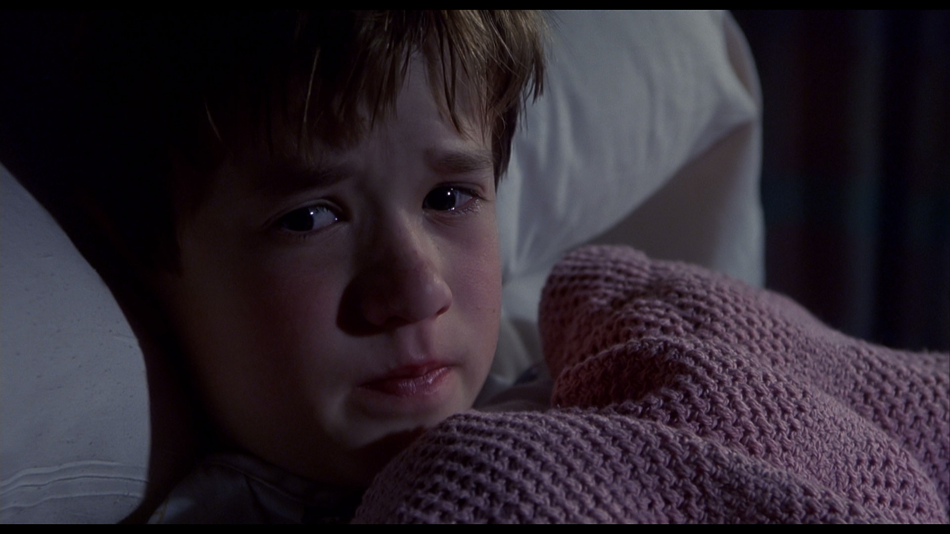 the-sixth-sense-haley-joel-osment-blanket-i-see-dead-people