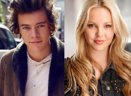 harry-styles-betsy-blue-english-460x336