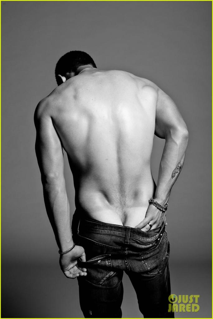 nick-jonas-poses-shirtless-in-his-underwear-for-flaunt-magazine-03