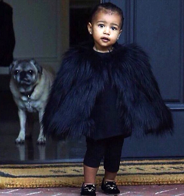 baby-north-west-fur-cape_2014-11-29_07-51-52