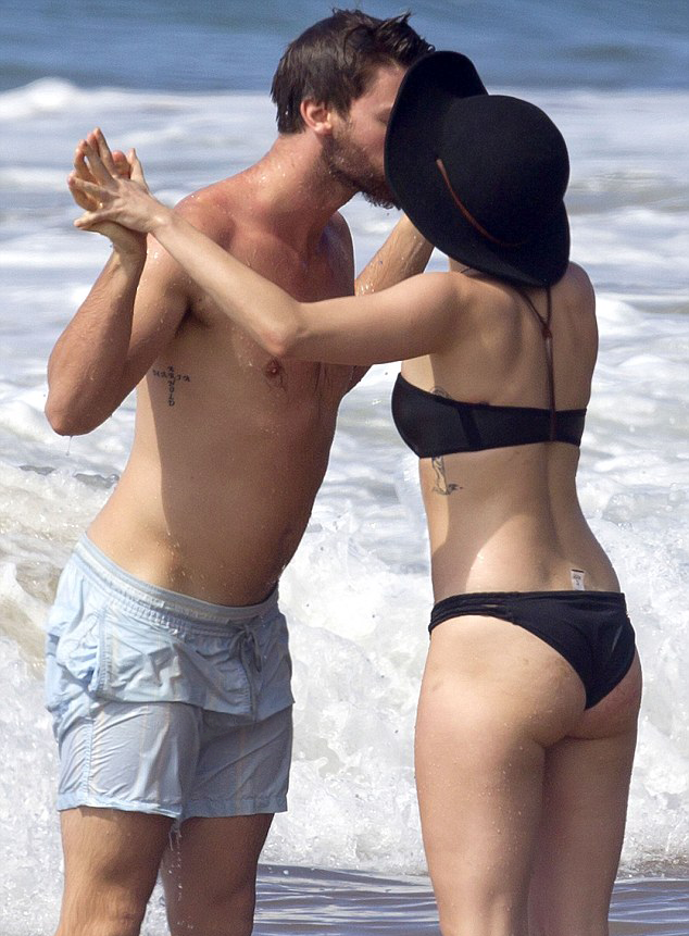 patrick schwarzenegger miley cyrus sea beach