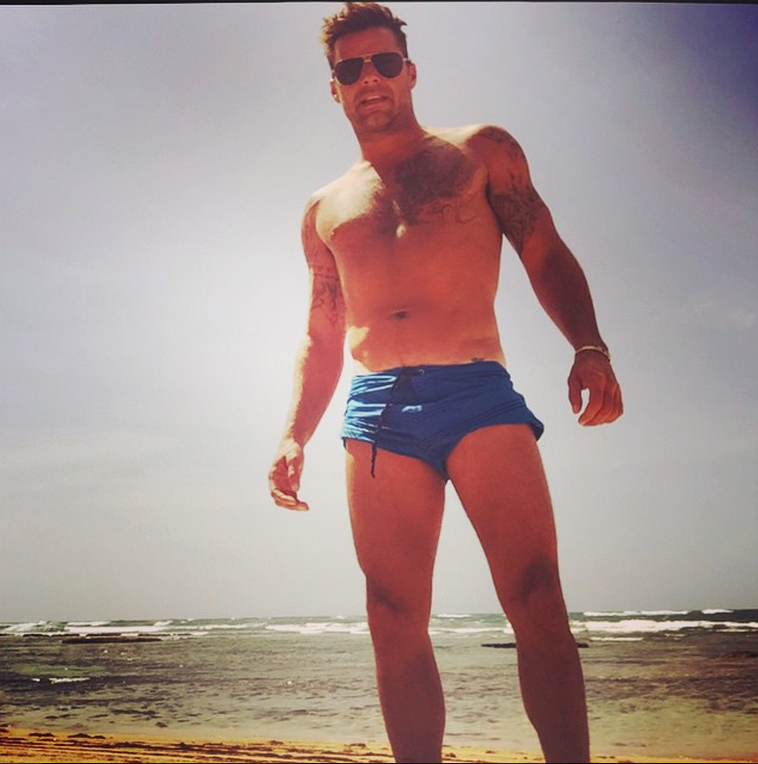 ricky martin costume fisico gay instagram