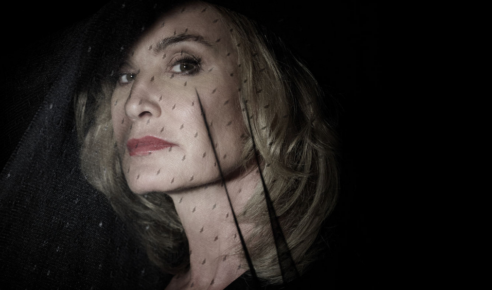 Jessica Lange american horror story hotel