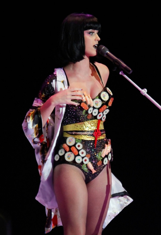 katy-perry-sushi