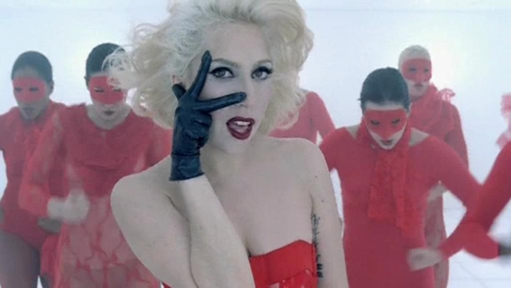 Lady-Gaga-Bad-Romance-Music-Video-Screencaps-lady-gaga-19362054-1248-704