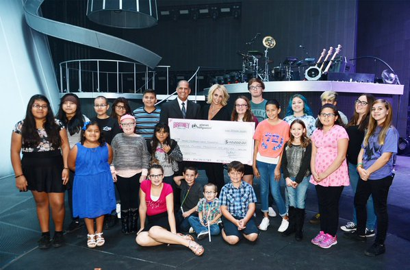 britney-spears-cancer-foundation-las-vegas