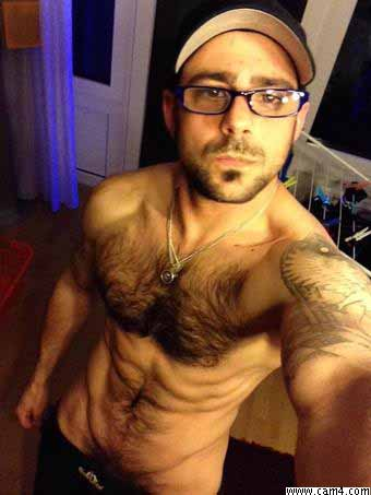 gay-cam4-fisico