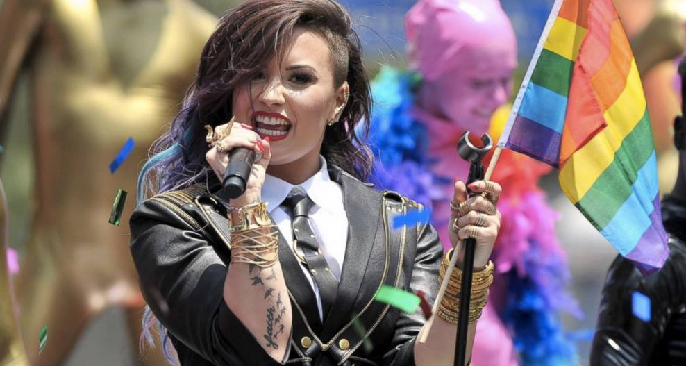 demi-lovato-gay-glaad-awards