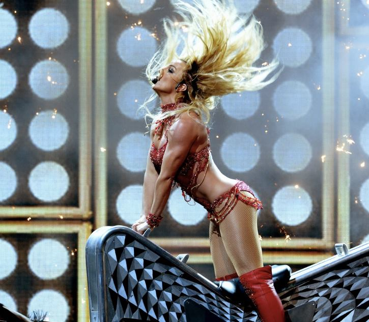 britney-billboard-awards