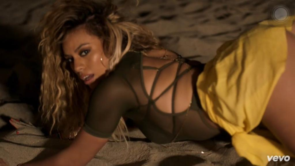 Fifth Harmony All In My Head Video (1)
