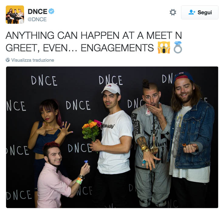 JOE-JONAS-DNCE-GAY-GAYS-MEET&GREET