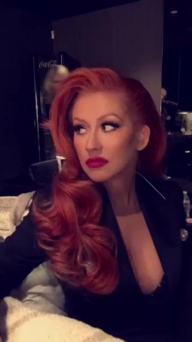 christina-aguilera-red-haird