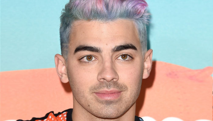 joe-jonas-pink-blue-hair-video