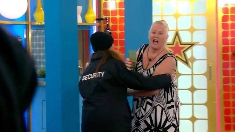 kim-woodburn-removed-from-the-house-after-epic-row-with-jamie-oharaa-00_04_31_13-still038