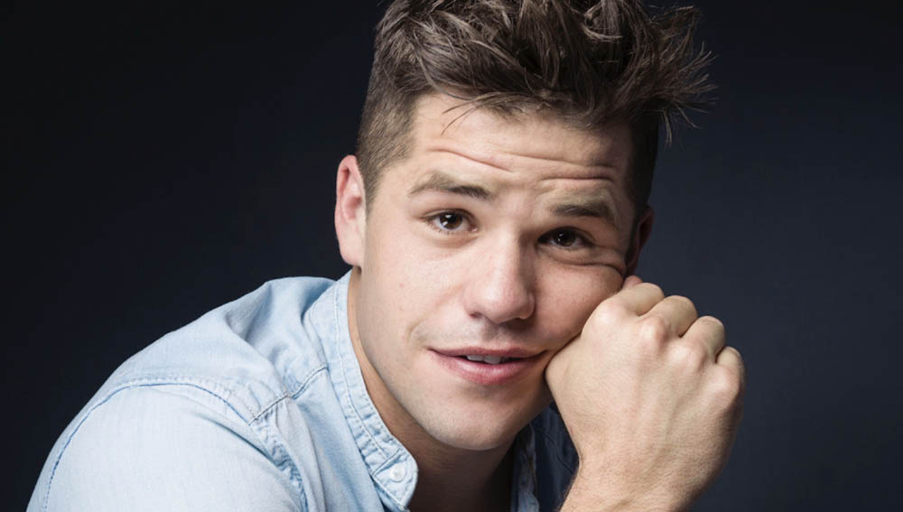charlie-carver-gay-father-play-video